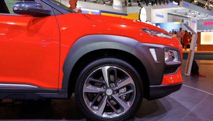 Hyundai Kona, dettagli e caratteristiche del nuovo SUV - Foto 6 di 20
