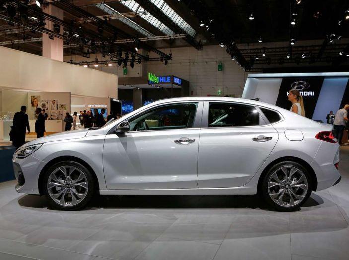 Hyundai i30 Fastback, la nuova coupè a 5 porte - Foto 2 di 13