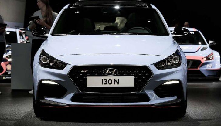 Hyundai i30 N, compatta sportiva da 275 cavalli - Foto 14 di 17