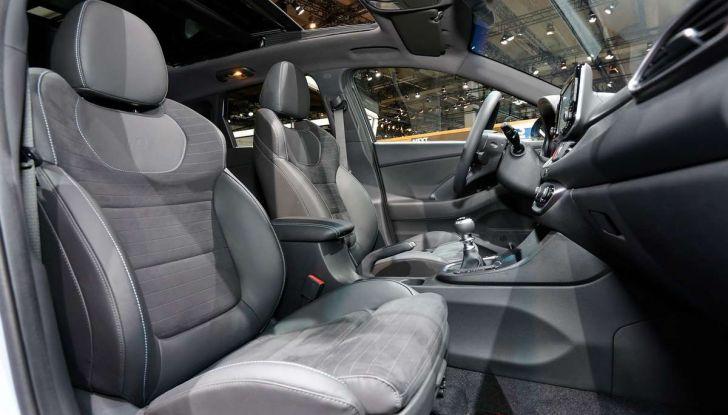 Hyundai i30 N, compatta sportiva da 275 cavalli - Foto 9 di 17