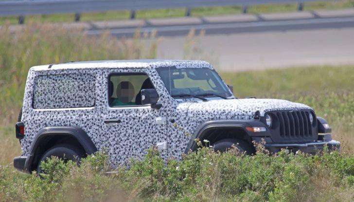 Jeep Wrangler, la nuova generazione sorpresa durante i collaudi - Foto 2 di 21