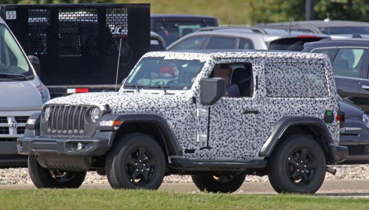 Jeep Wrangler, la nuova generazione sorpresa durante i collaudi - Foto 8 di 21