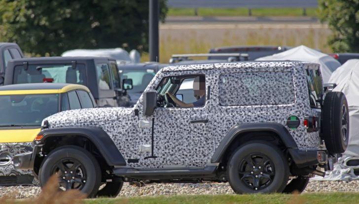 Jeep Wrangler, la nuova generazione sorpresa durante i collaudi - Foto 11 di 21