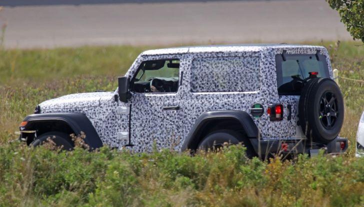 Jeep Wrangler, la nuova generazione sorpresa durante i collaudi - Foto 12 di 21