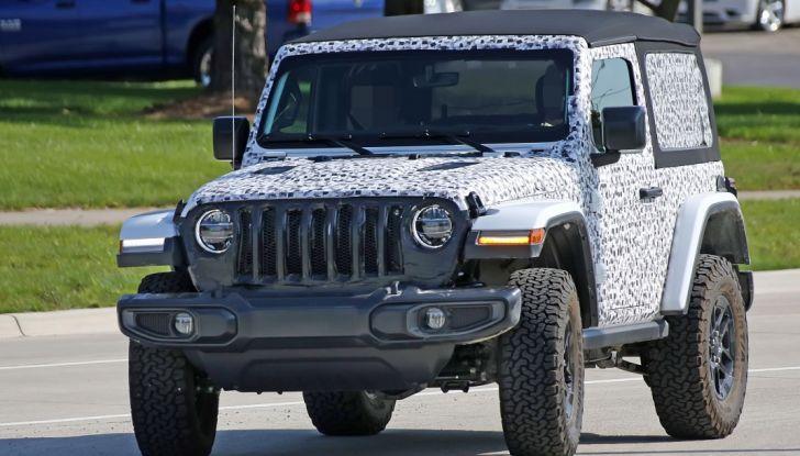 Jeep Wrangler, la nuova generazione sorpresa durante i collaudi - Foto 4 di 21