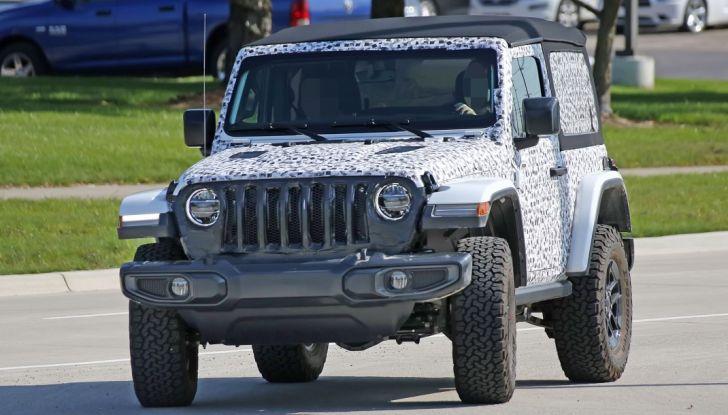 Jeep Wrangler, la nuova generazione sorpresa durante i collaudi - Foto 15 di 21