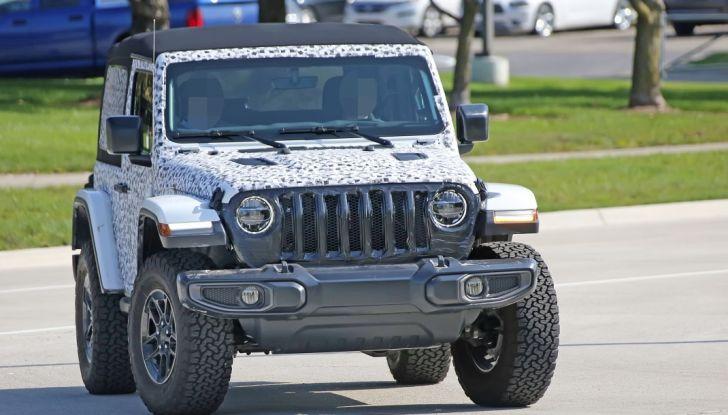 Jeep Wrangler, la nuova generazione sorpresa durante i collaudi - Foto 17 di 21