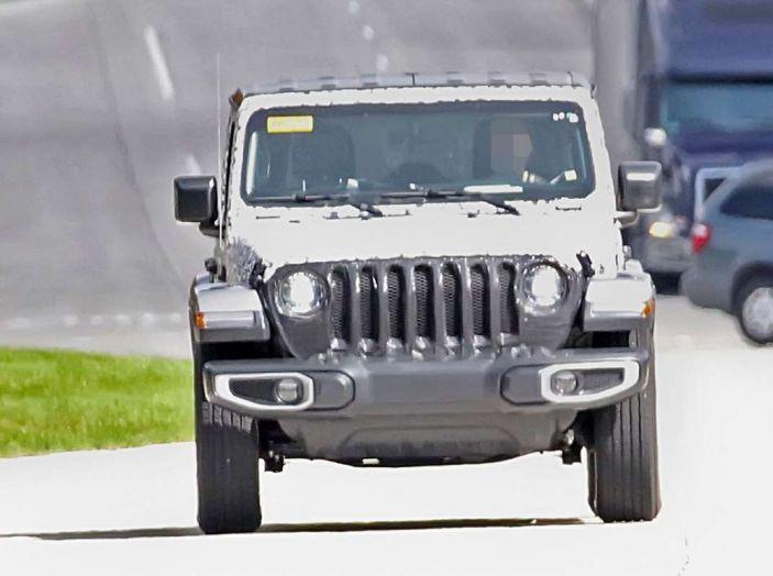 Jeep Wrangler MY2018, prime immagini spia - Foto 21 di 22