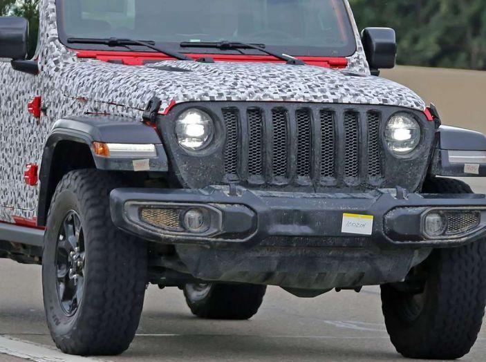 Jeep Wrangler MY2018, prime immagini spia - Foto 3 di 22