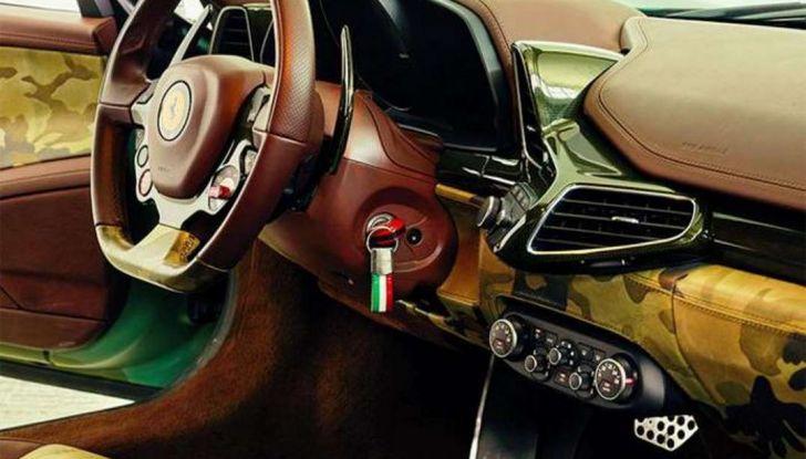 La Ferrari 458 Italia Army di Lapo Elkann battuta all'asta - Foto 3 di 9