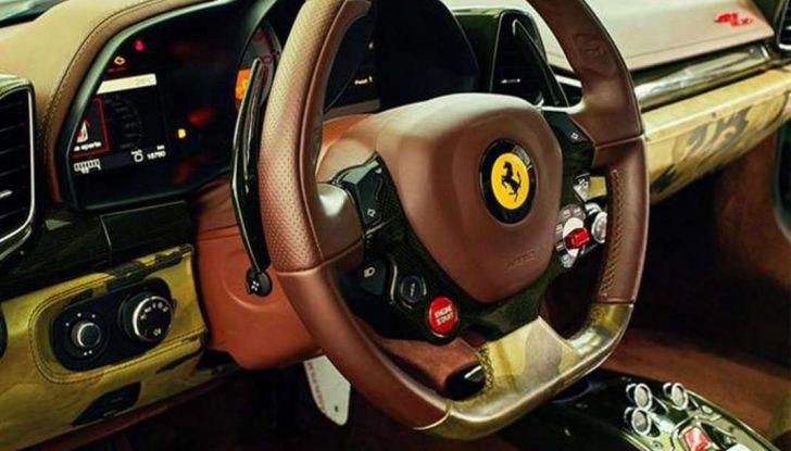 La Ferrari 458 Italia Army di Lapo Elkann battuta all'asta - Foto 5 di 9
