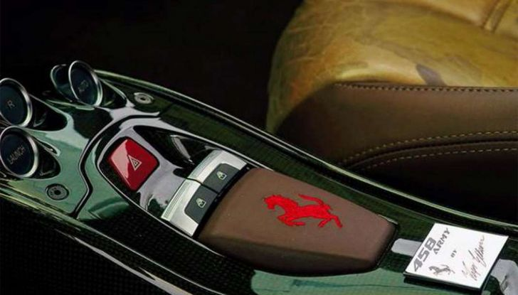 La Ferrari 458 Italia Army di Lapo Elkann battuta all'asta - Foto 6 di 9