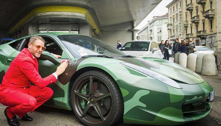 La Ferrari 458 Italia Army di Lapo Elkann battuta all'asta - Foto 7 di 9