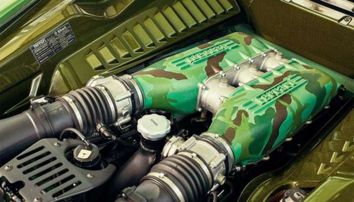 La Ferrari 458 Italia Army di Lapo Elkann battuta all'asta - Foto 8 di 9