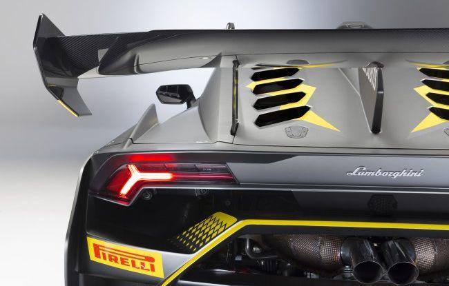 Lamborghini Huracán Super Trofeo EVO debutta con livrea Roger Dubuis - Foto 2 di 10