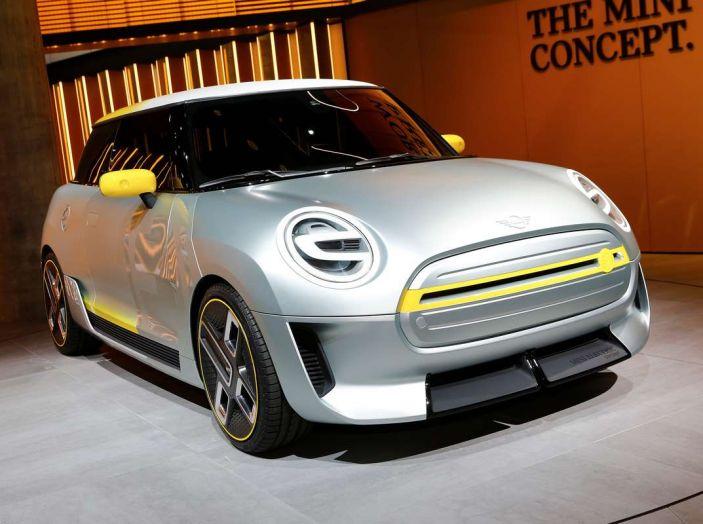 MINI Electric Concept per anticipare il 2019 al Salone di Francoforte - Foto 3 di 24