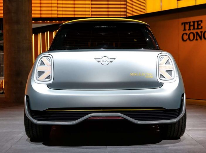 MINI Electric Concept per anticipare il 2019 al Salone di Francoforte - Foto 17 di 24