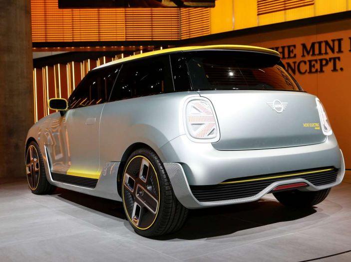 MINI Electric Concept per anticipare il 2019 al Salone di Francoforte - Foto 18 di 24
