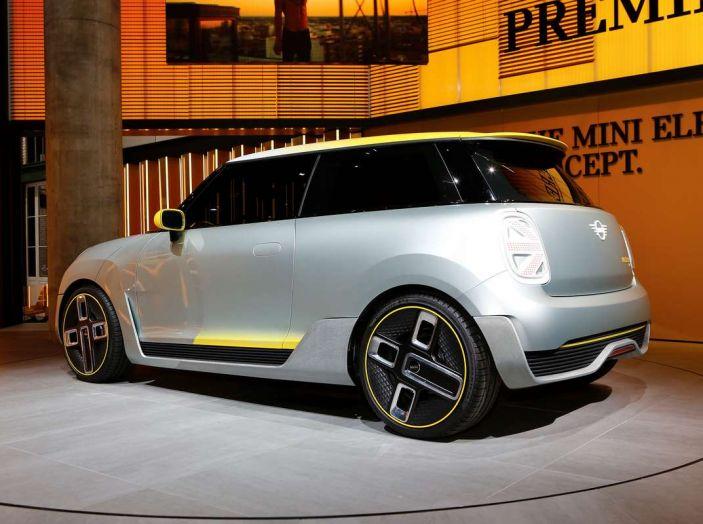 MINI Electric Concept per anticipare il 2019 al Salone di Francoforte - Foto 19 di 24