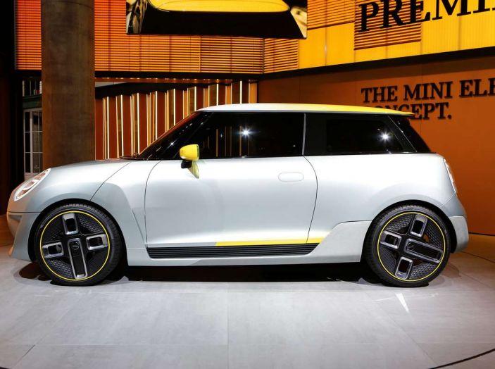 MINI Electric Concept per anticipare il 2019 al Salone di Francoforte - Foto 20 di 24