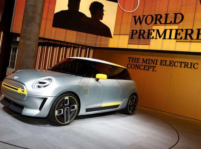 MINI Electric Concept per anticipare il 2019 al Salone di Francoforte - Foto 22 di 24