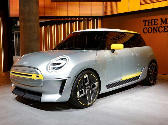 MINI Electric Concept per anticipare il 2019 al Salone di Francoforte - Foto 15 di 24
