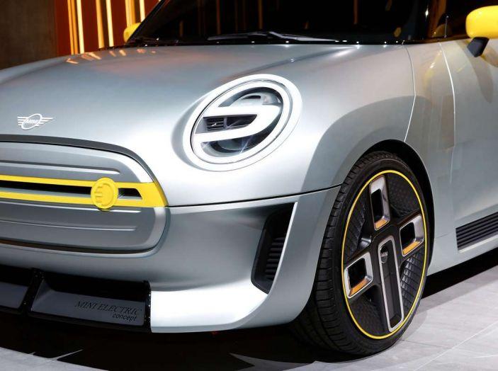 MINI Electric Concept per anticipare il 2019 al Salone di Francoforte - Foto 2 di 24