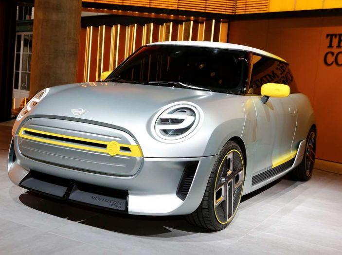 MINI Electric Concept per anticipare il 2019 al Salone di Francoforte - Foto 1 di 24