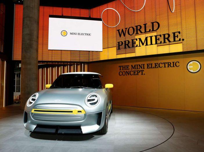 MINI Electric Concept per anticipare il 2019 al Salone di Francoforte - Foto 23 di 24
