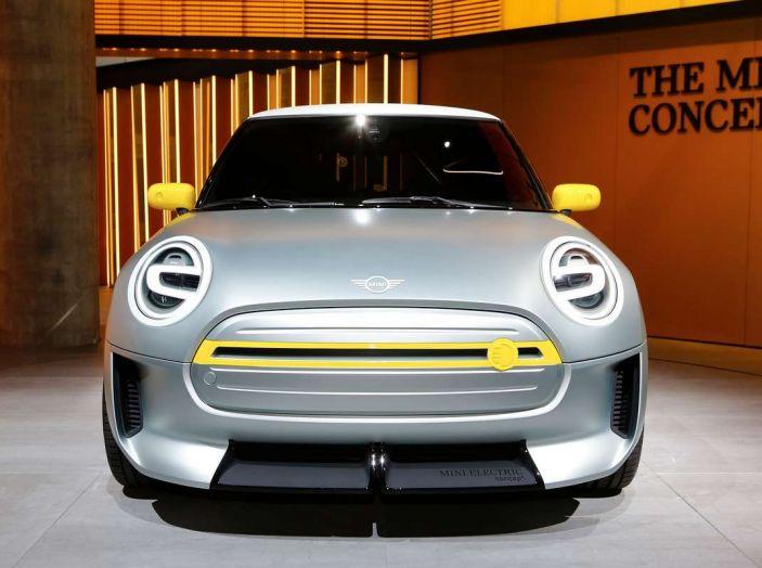 MINI Electric Concept per anticipare il 2019 al Salone di Francoforte - Foto 8 di 24