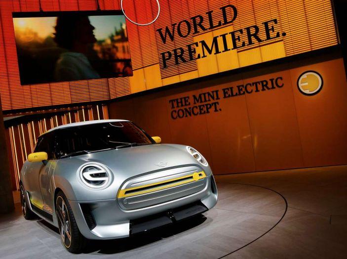 MINI Electric Concept per anticipare il 2019 al Salone di Francoforte - Foto 6 di 24