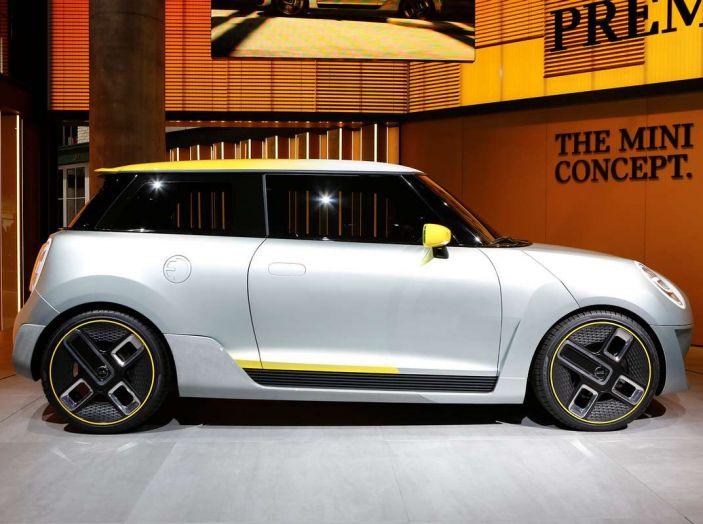 MINI Electric Concept per anticipare il 2019 al Salone di Francoforte - Foto 5 di 24