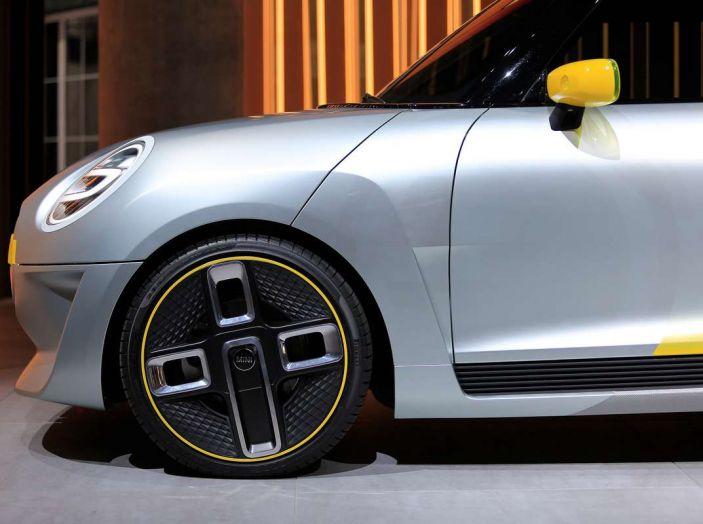MINI Electric Concept per anticipare il 2019 al Salone di Francoforte - Foto 7 di 24