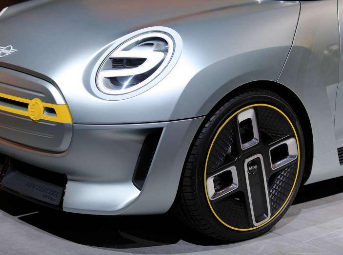 MINI Electric Concept per anticipare il 2019 al Salone di Francoforte - Foto 9 di 24