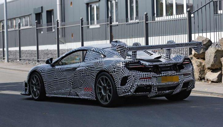 McLaren 675LT, immagini e dettagli del prototipo da gara - Foto 15 di 16