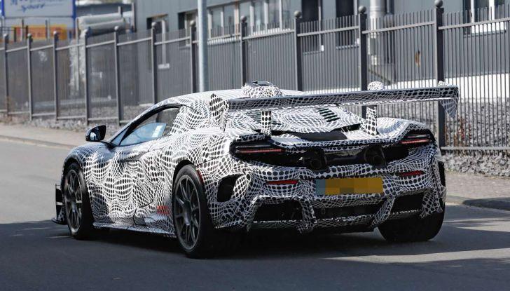 La pazza idea di McLaren: una supercar alimentata con carburante sintetico - Foto 16 di 16