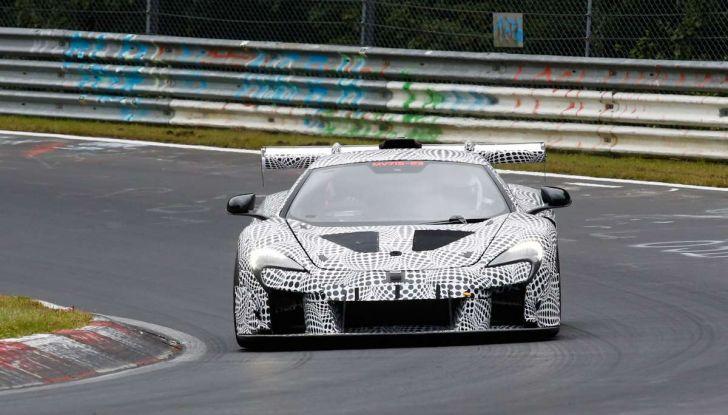 La pazza idea di McLaren: una supercar alimentata con carburante sintetico - Foto 6 di 16