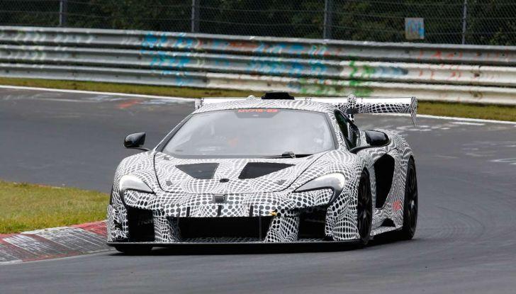 La pazza idea di McLaren: una supercar alimentata con carburante sintetico - Foto 8 di 16