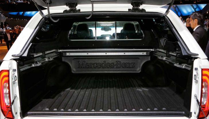 Mercedes Classe X, dettagli e informazioni del nuovo pick-up tedesco - Foto 11 di 21