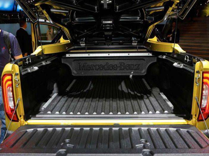 Mercedes Classe X, dettagli e informazioni del nuovo pick-up tedesco - Foto 4 di 21