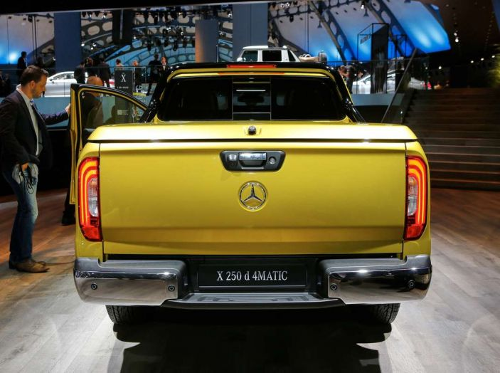 Mercedes Classe X, dettagli e informazioni del nuovo pick-up tedesco - Foto 5 di 21