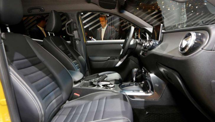 Mercedes Classe X, dettagli e informazioni del nuovo pick-up tedesco - Foto 15 di 21
