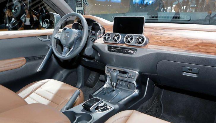 Mercedes Classe X, dettagli e informazioni del nuovo pick-up tedesco - Foto 16 di 21