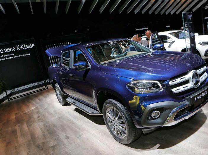 Mercedes Classe X, dettagli e informazioni del nuovo pick-up tedesco - Foto 18 di 21