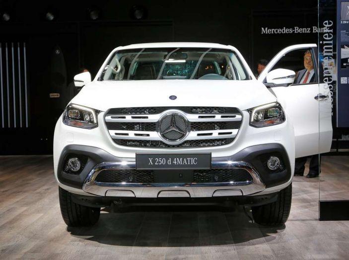 Mercedes Classe X, dettagli e informazioni del nuovo pick-up tedesco - Foto 21 di 21