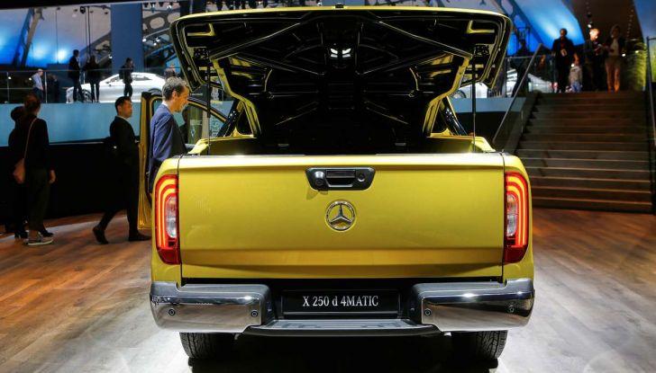 Mercedes Classe X, dettagli e informazioni del nuovo pick-up tedesco - Foto 10 di 21