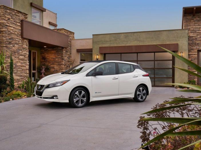 Nissan LEAF 2018: caratteristiche, autonomia e prezzi - Foto 2 di 26