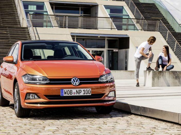 Nuova Volkswagen Polo 2018: prova su strada, motori e prezzi - Foto 33 di 34