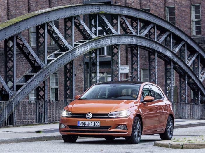 Nuova Volkswagen Polo 2018: prova su strada, motori e prezzi - Foto 1 di 34