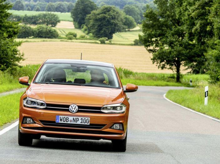 Nuova Volkswagen Polo 2018: prova su strada, motori e prezzi - Foto 9 di 34